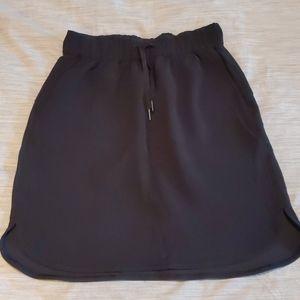 Lululemon on the fly skirt - size 6